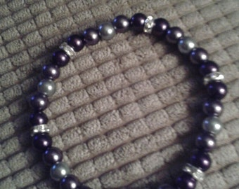 Black, Grey, and Silver Glass Bead Bracelet