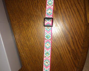 Aztec adjustable collar.