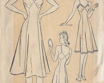 1940s Vintage Sewing Pattern B38 SLIP (R809) Advance 2367