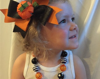 Girls Pumpkin Hairbow with removable clip and Matching Bubblegum Necklace