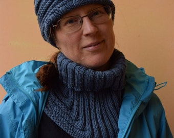 Hand knitted hat, wrist warmer and neck warmer made of 100% merino wool