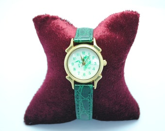 BIJOWIN woman riding green leather strap watch