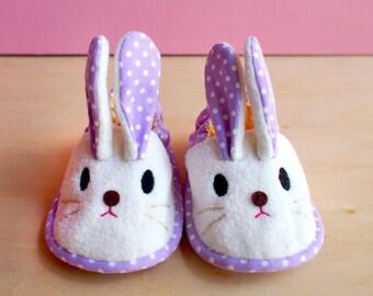 Elastic Baby Booties - Chubby Bunny 02