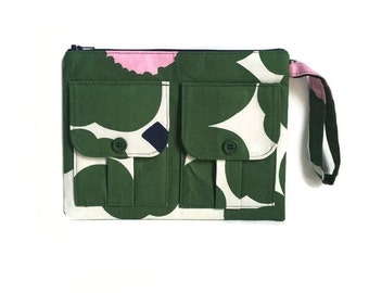 Small Poppy Green Floral Wristlet Wallet, Floral Wallet Wristlet, Zipper Wallet, iPhone Wristlet, Fabric Wallet, 144 Collection
