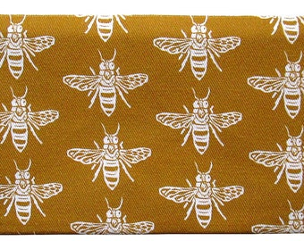 NEW bee zippered pouch