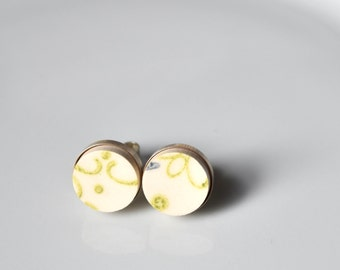 Simple Circle Sterling Silver Broken China Stud Earrings - Green and White