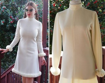 Snow BUNNY 1960's Vintage Cream White Shift Dress with Long Sleeves and Fluffy Yarn Edges // size Small // by Ann + Lorry's