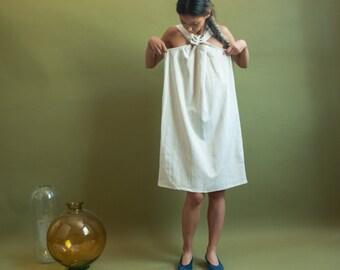 oatmeal heather cotton flax sack dress / mini cross strap dress / minimalist mini dress / s / m / 1249d / B14