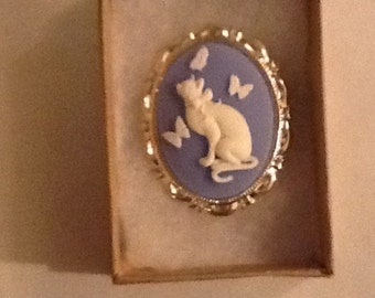 Cat with Butterflies CAMEO set in Silver tone Blue background