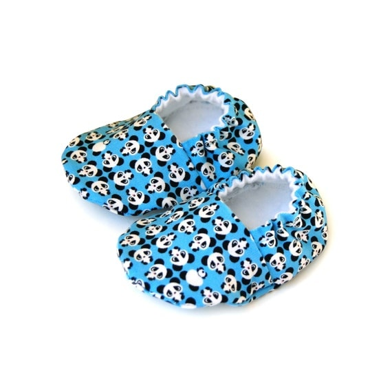 Blue fabric baby booties, Panda baby shoes, Handmade booties, Newborn baby booties, Baby boy shoes, Baby girl shoes, Baby handmade shoes