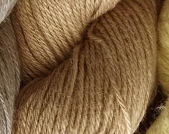 Aizenkobo #9 Fawn Japanese sashiko cotton thread 150 meter skein from Kyoto Japan 刺し子糸