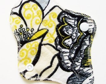 "6"" Cotton Flannel Thong Panty Liner, Yellow Black White Flowers Leaves, Cloth Menstrual Pad, Cotton Panty Liner, Cloth San Pro, Incontinence"