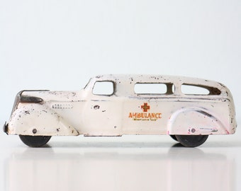 Vintage Wyandotte Ambulance, Toy Car Army Ambulance