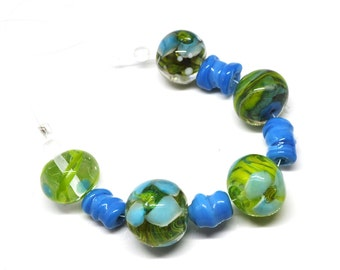 Set of lime and turqoise blue beads