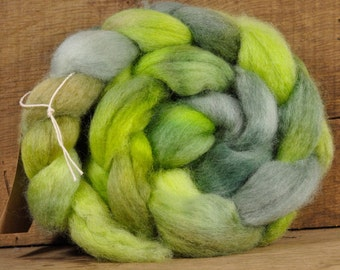 """BFL Wool Top for Hand Spinning - """"Avocado"""""""