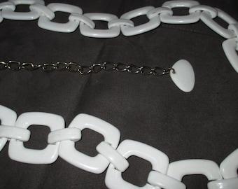 Vintage MOD 60s White Square Segment Link Plastic Belt
