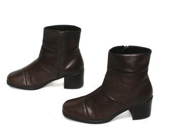 size 7.5 CHELSEA brown leather 80s 90s MINIMAL high heel zip up ankle boots