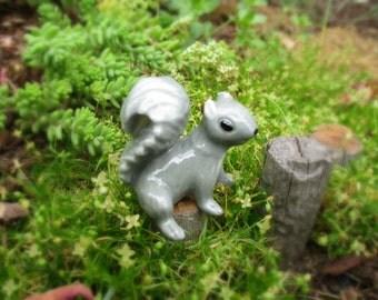 Vintage NOS Hagen-Renaker Mama Gray Squirrel Fairy Garden Must