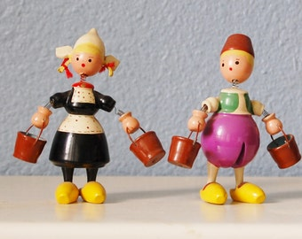 Vintage Goula Spain Wood Bobble Head and Hands Dutch Couple Figures Painted 1950s