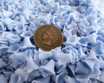 The Plastics! 25 Old Haskell Celluloid Plastic Flower Beads BLUE