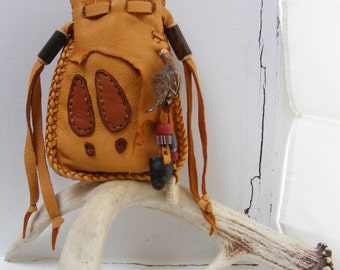 DEER MEDICINE spirit pouch / medicine bag, Native American style, animal totem, Deerskin Leather, Antler, dew claw, Pow Wow, Rendezvous