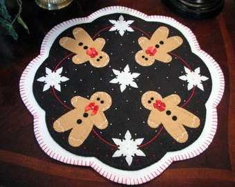 Hand Stitched 17 Inch GINGERBREAD and SNOWFLAKES Penny Rug - Candle Mat - Primitive - Folk Art - Wool Applique - Fiber Art - Home Decor