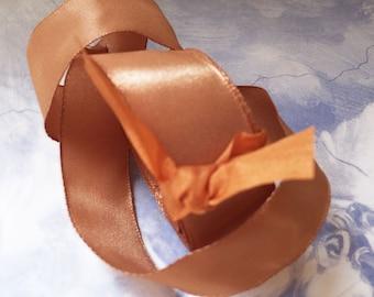 "5 Yards of Rayon Taffeta Wired Ribbon in Soft Chestnut (1"")"