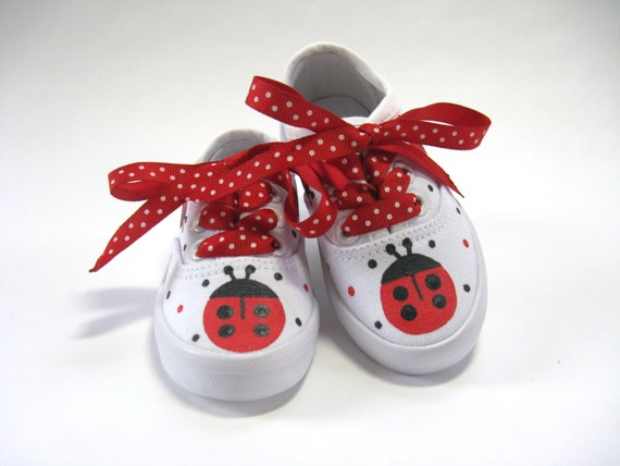 Ladybug Shoes, Birthday Party Theme, First Birthday Ladybug Outfit, Hand Painted White Sneakers for Baby and Toddlers
