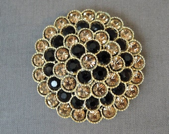 Lisner Vintage Brooch, Black & Gold 2 inch Dimensional 1960s Costume Jewelry