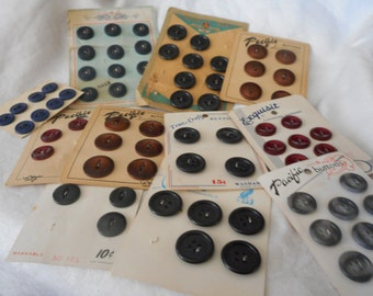 Lot Sets of VINTAGE Carded Plastic Sweater Craft Sewing BUTTONS L125