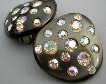 50s 60s Earrings MOD AB Rhinestone Studded Lucite Retro Atomic Dark Charcoal Gray- Clip Ons
