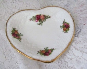 Valentine Heart Plate Pink Red Cabbage Roses - Shabby Decor - Royal Albert China