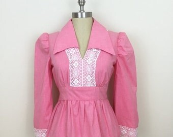 25% Off Sale 70s Pink Lace Empire Waist Blouse with Bell Sleeves, Size M