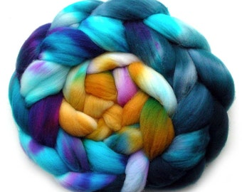 Roving Targhee Superwash Hand dyed Combed Top - Bird of Paradise, 5.3 oz.