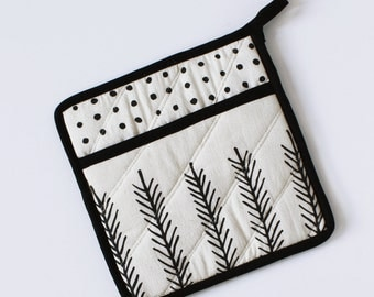 POT HOLDER - feather - polk dots - black and white - kitchen - decor - home decor - modern - simple usa made - hand crafter - graphic - bold