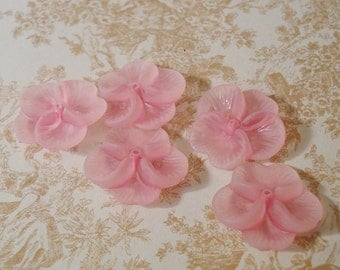 20mm Pink Lucite Matte Frosted 3D Pansy Flower Beads (10 pieces)