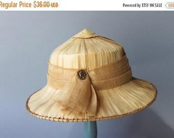 STOREWIDE SALE 1950s Hat / Vintage 50s Coolie Hat / 1960s Straw Safari Hat