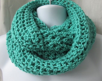 Infinity SCARF Croched  Green 3-way
