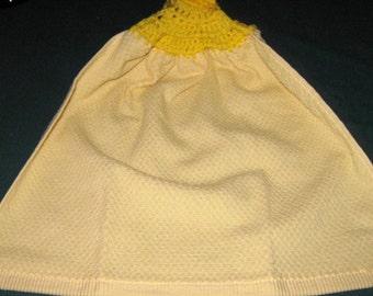 Crochet Hanging Towel Lt Yellow Towel with yellow top