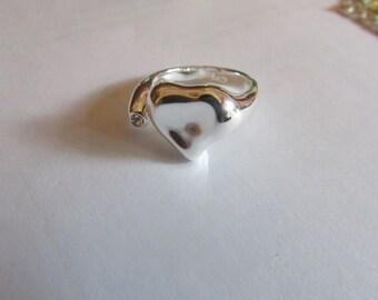 shiny silver heart ring