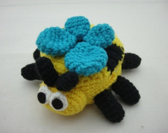 FREE SHIPPING Crochet Coin Small Purse - Bee