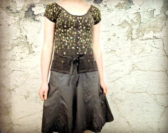 Med. Demure Day Dress// Upcycled Gray Floral Dress// Eco Urban Chic// emmevielle