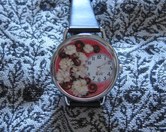 Womens Watch with Baby's Breath on Red Background, Women Watches with Flowers, Leather Watch Women,Watches for Women, Pressed Flowers Watch