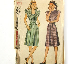 1940s Vintage Sewing Pattern - Front Button Day Dress Buttoned or Ruffled Cap Sleeves - Simplicity 1283 / Size 12