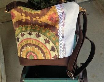 Aztec Floral Messenger Handbag