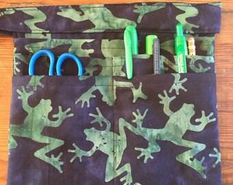 RN Scrub Pocket, Medical Instrument Belted Storage Bag With Pockets, Batik Frog Fabric