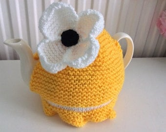 Knitted Tea Cosy / Cozy - Yellow and white Daisy Design