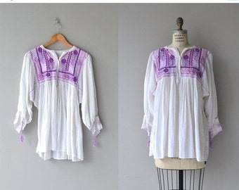 25% OFF.... Saharara tunic | vintage 1970s gauze blouse | embroidered 70s peasant blouse