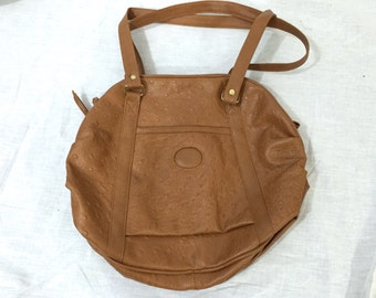 Vintage Brown Shoulder Purse. Double Straps. Medium to Large Size Purse. 1980s. Faux Leather. Everyday Purse. Under 20 Shoulder Bags.