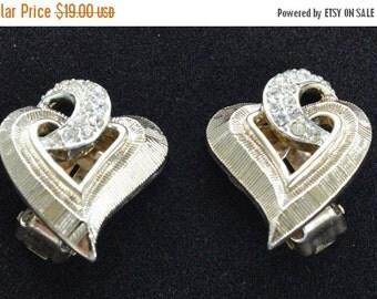 """On Sale Pretty Vintage Rhinestone, Gold tone Heart Clip Earrings, """"Kramer"""" (J10)"""